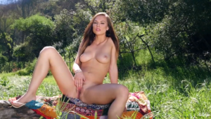 picture of naked Aidra Fox